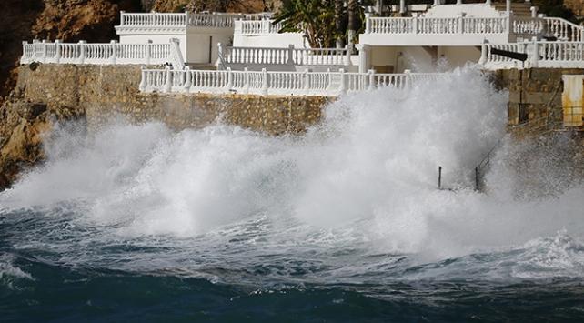 Antalyaya fırtına uyarısı