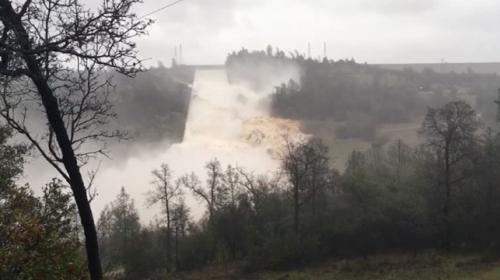 ABDde barajın çökme anı