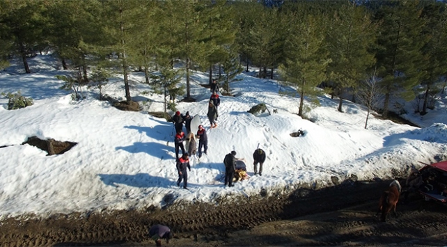 """Kaybolan film ekibi """"drone"""" sayesinde kurtarıldı"""