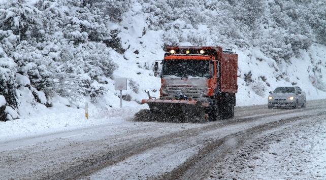 Kar nedeniyle 190 yol ulaşıma kapandı