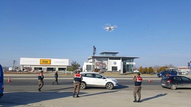 Kontrolden kaçan sürücüye drone takibi
