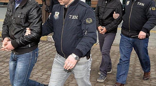 İzmirde 8 astsubay gözaltına alındı