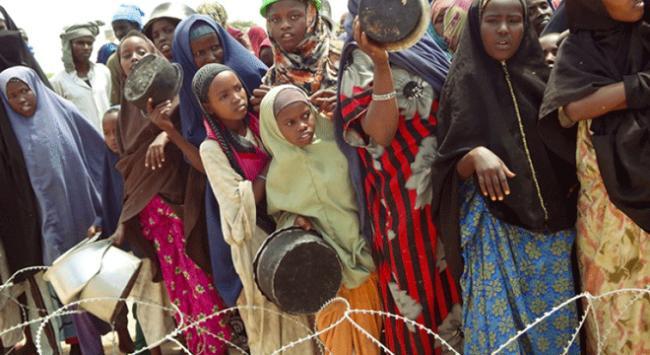 Somalililer açlıkla savaşıyor