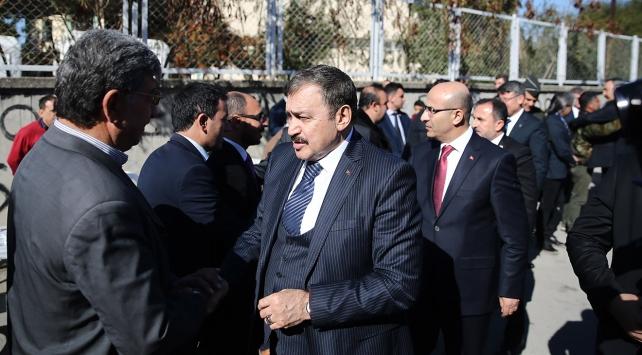 Bakan Eroğlu, Adanada şehit ailelerini ziyaret etti