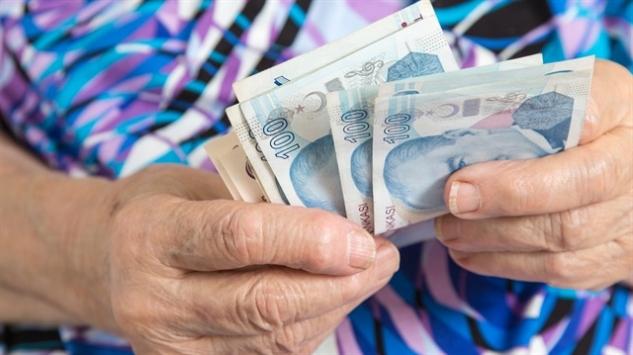 Büyükanneye maaş başvuruları uzatıldı