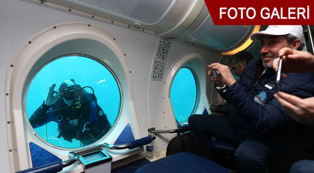 Antalyada turistik denizaltı heyecanı