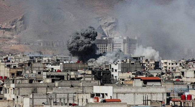 Rejim güçleri Şamı vurdu