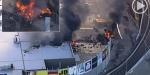 Avustralya'da alışveriş merkezine uçak düştü