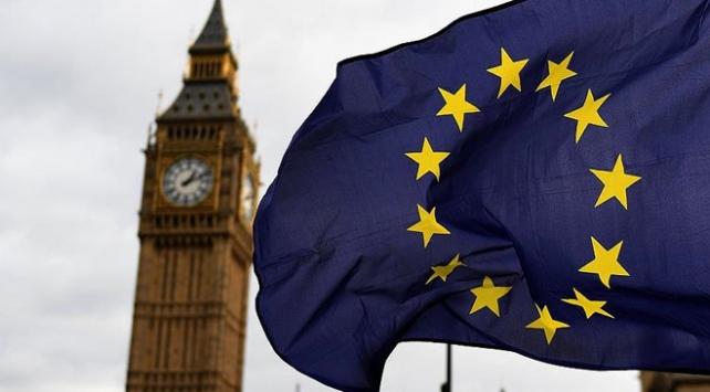 Brexit İngiltere'ye ek gümrük vergisi yükü getirebilir