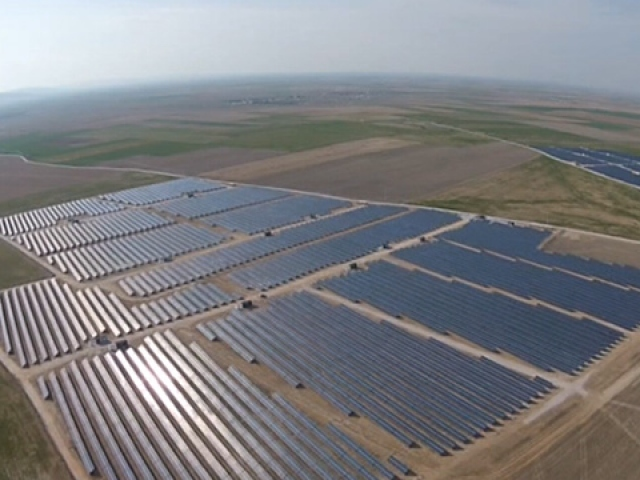 Türkiyede yeni tip güneş enerjisi paneli üretilecek