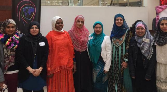 Müslüman kadınlarla empati için 1 ay başlarını örtecekler