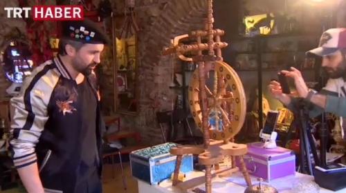Eski eşyaları teknoloji yardımıyla satıyor