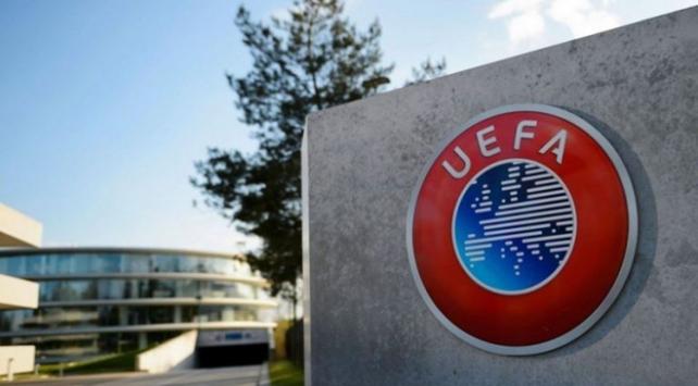 UEFAdan beş oyuncu değişikliği kararı