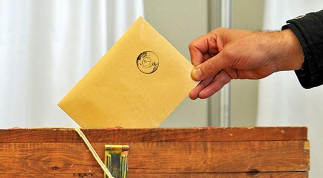 Gümrük kapılarında oy verme işlemi sürüyor