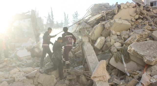 Esed güçleri yerleşim yerini bombaladı: 22 ölü