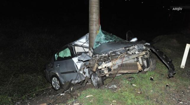Otomobil elektrik direğine girdi: 2 ölü, 2 yaralı