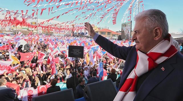 Tek adam yönetimi arıyorsa Kılıçdaroğlu aynaya baksın