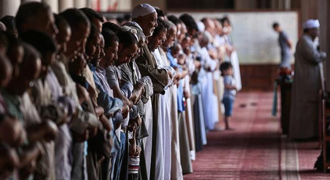 Mısırda Türkiyeye destek veren imama uzaklaştırma