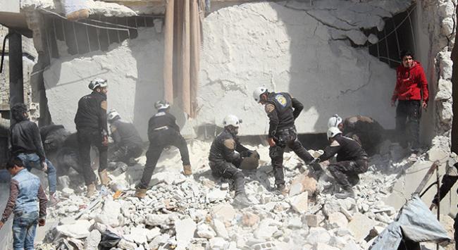 Esed güçleri İdlibde sivilleri vurdu: 8 ölü