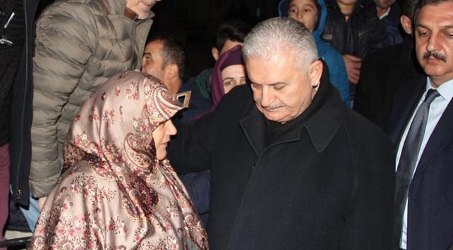 Başbakan Yıldırım şehit ailesini ziyaret etti