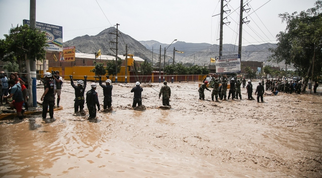 Perudaki selde ölü sayısı 75 oldu