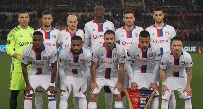 Beşiktaşın rakibi Lyon, PSGye 2-1 yenildi