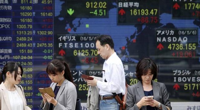 Asya borsaları Hong Kong hariç satış ağırlıklı seyretti
