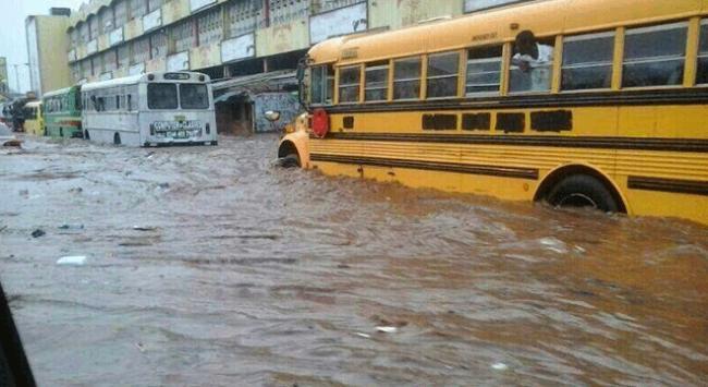 Ganada sel felaketi öğrencilerin canına mal oldu