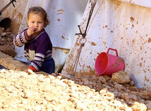 Suriyelilerin çadırkentlerdeki zorlu yaşamı