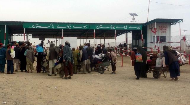 Pakistan, Afganistan sınır kapılarını yeniden açacak