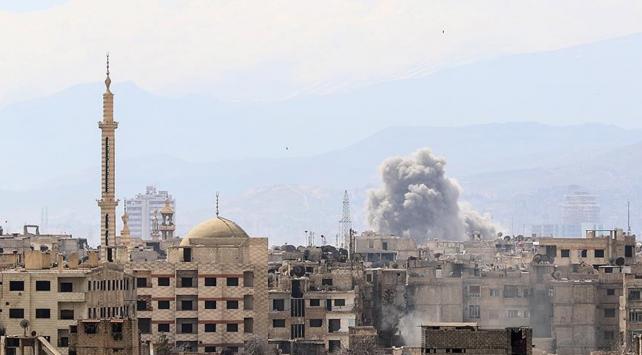 Rejim, Şamda sivilleri hedef alıyor