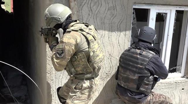 İhbar hattıyla 305 terörist etkisiz hale getirildi