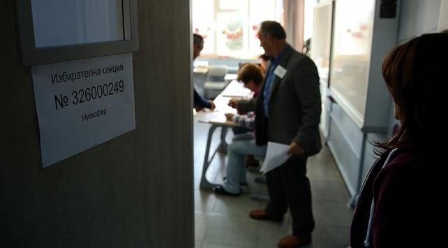 Bulgaristanda seçmenler pazar günü sandığa gidiyor