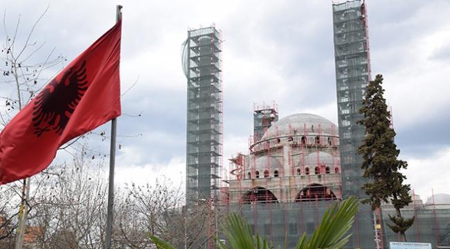 Balkanların en büyük camisinde geri sayım