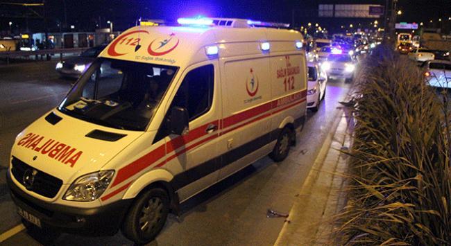 Sporcuları taşıyan minibüsle otomobil çarpıştı: 12 yaralı