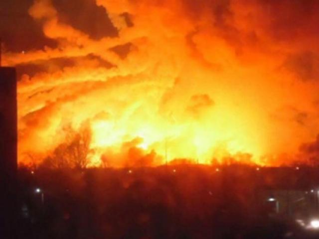 Ukraynada cephanelikte patlama