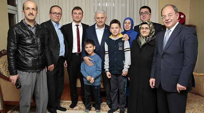Başbakan Yıldırım, 15 Temmuz gazisi Kocabaşı ziyaret etti