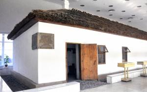 General Frunzenin evi müzede korunuyor