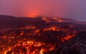 Etna Yanardağında volkanik aktivite