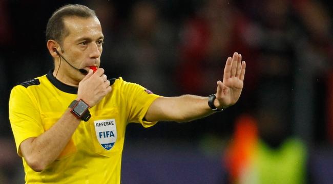 Cüneyt Çakır ve ekibine FIFAdan görev