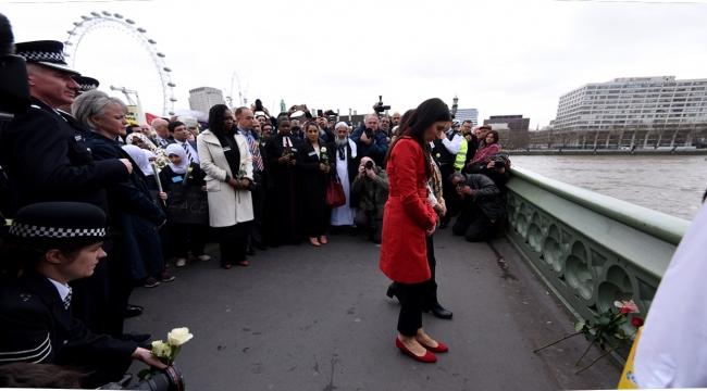 Londradaki terör saldırısında hayatını kaybedenler anıldı