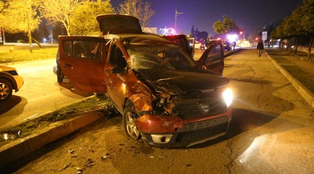 Adanada 2 şüpheli kaza yapınca yakalandı