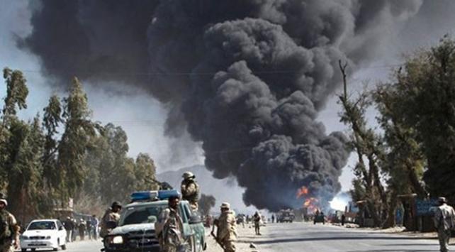 Afganistanda bombalı saldırıda 2 sivil öldü