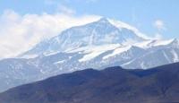 Everest'e Laboratuvar Kuracaklar