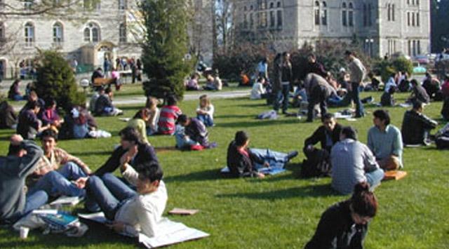 Üniversitelilere Müjde! Harçlar Kalkıyor