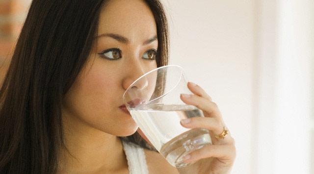 Suyu oturarak iç, koleradan korun