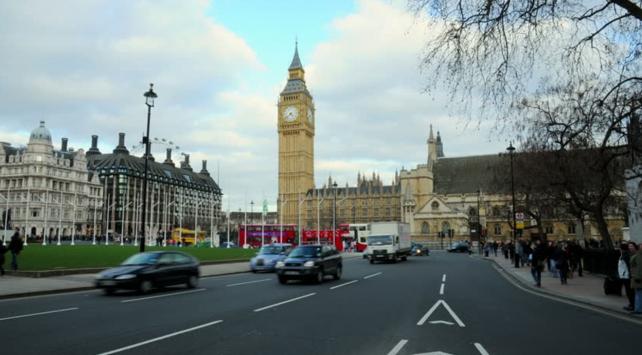 Londrada çevreci olmayan araçlardan ek ücret alınacak