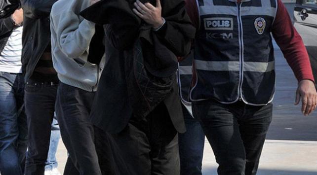 İzmirde kaos yaratmaya çalışan 11 kişi yakalandı