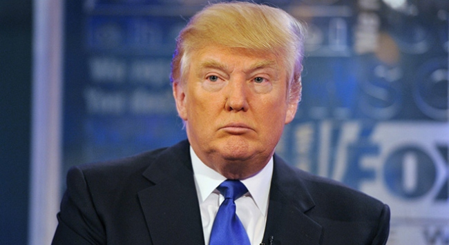 Trumpı eleştirmemesi istenen radyo sunucusundan istifa