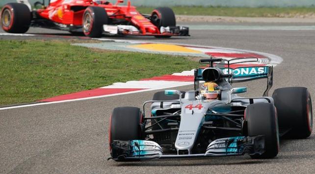 F1de Hamilton başladığı gibi bitirdi